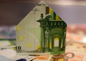 Haus aus Geldschein